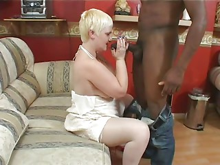 Omar Bonks a Squirting Granny.elN
