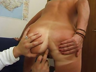 FRENCH Older n35 blond anal job mamma vieille salope
