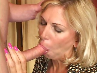 Ex-Marine MILF Receives Screwed Hard - Cireman