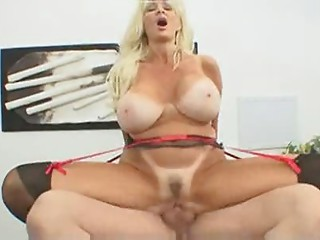 Sexy Elder Bigtitted Blond MILF Brittany O'Neil