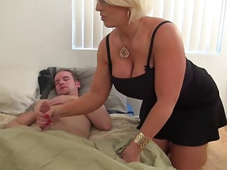 Sexy Amazon Golden-haired Mother I'd like to fuck Works One Out