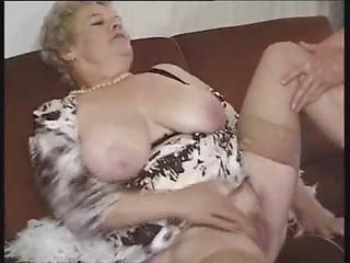 Bain De Jouvence Pour Mamies Actives ... (Complete Movie) F70