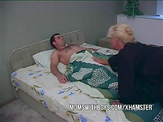 Hawt Excited Mother Wakes StepSon With A Oral-service