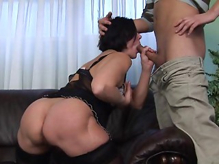 Older Old slut with Hirsute Bush Screwed by Youthful Fellow