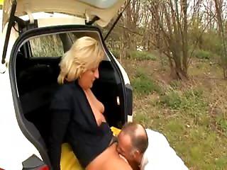 Taxi Driver Bonks Her Client