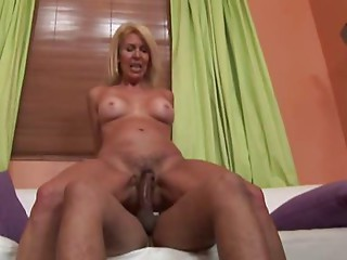Sexy Mother Erica Lauren Learns To Have a fun BBC