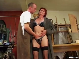 Redhead grandmother can't live without anal dance