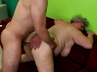 Aged old slut licked and drilled by youthful chap