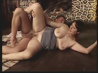 Shorthair-MILF with Huge-Boobs devotional Bang