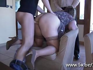 French elder Julia banged in nylons