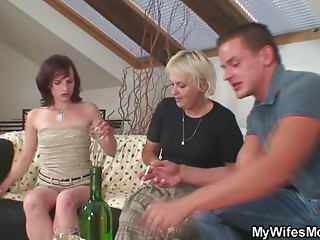 Home party with her mama goes very bad