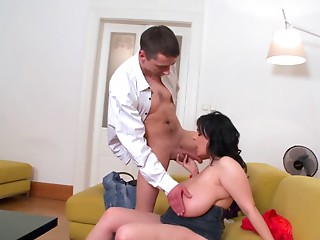 Italian BBW Mother I'd like to fuck goes on 2