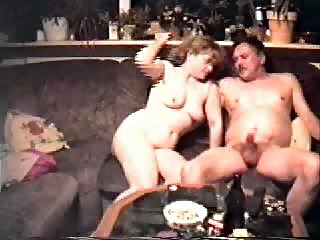 Housewifes oral stimulation - family clip