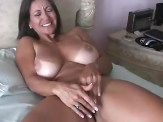 Very Sexy milf masterbates for your enjoyment.