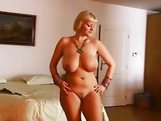 Bigtitted Abdomen Dancer Cougar Disrobes - Ameman