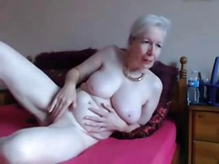 Amateur. Glamorous lascivious old bitch masturbates