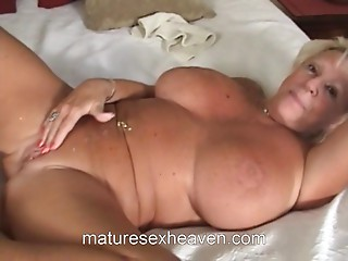 Old slut Sucks Large White Penis