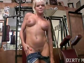Mandy K - Old Hawt Muscle