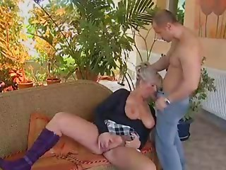 Blond old bitch boned by a chap