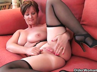British MILF with large mounds acquires fingered by photographer