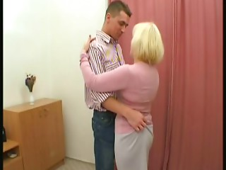 Mama lad dance