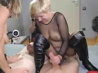 3 aged ladies squirting and fucking