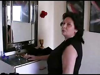 Large Titts Mature bitch R20