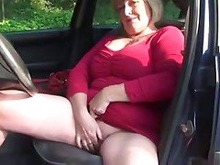 Mother Monieka Masturbation and Orall-service