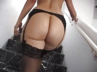 Big Booty Mamma I'd like to screw In Lingerie Hard Fucking !