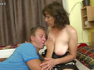 Hirsute mommy fucking her son's superlatively good ally