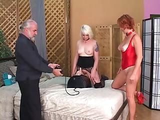 Thrall acquires on fake penis and female-dominant controls it and pulls her nipps