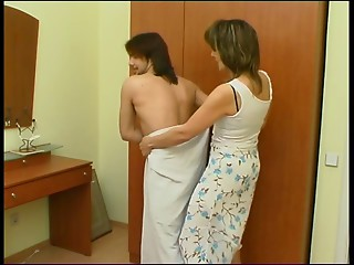 Glamorous mom with a sweet body screwed