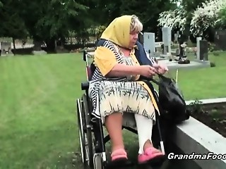 Old bitch receives compulsory to sex