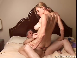 Lustful old trailer trash likes to bang