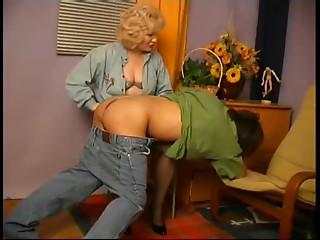 Masturbating Lad Caught by Cougar