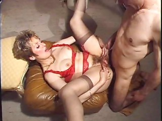 French aged  woman anal dance  !!!!!!!!!