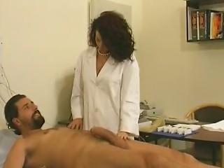infirmiere chaude