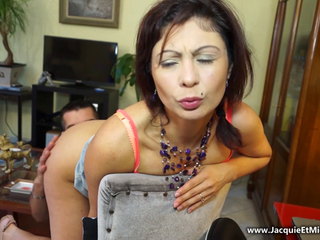FRENCH MILF JULIA Butt slam