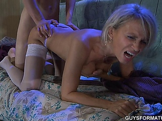 golden-haired mother-in-law receives treated well by her son