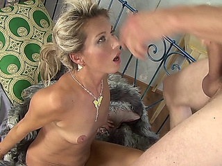 French MILF old patronne Sylvie  and William le Brist