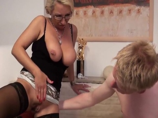 German Cougar in nylons goes anal dance