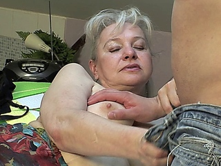 Lustful grandmother calls up her paramour so that babe can engulf his juvenile 10-Pounder