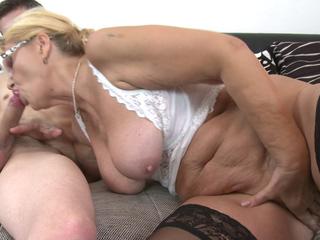 elder whore Regina T acquires her face hole full of weenie