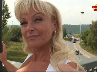 Wicked older Debora (43) DP'd outdoors