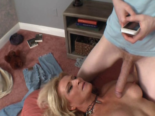 Incest with mommy Amanda for a magical necklace