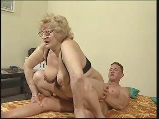 Large Tit Grandma