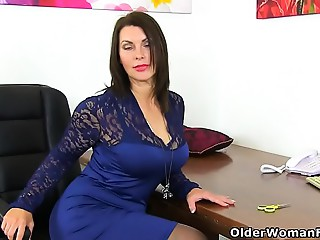 British mother I'd like to fuck Raven receives creamy for her sex-toy