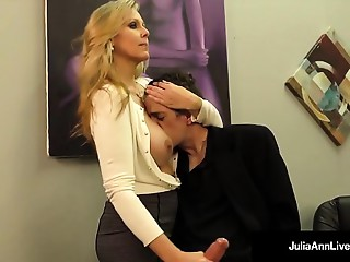 Bigtitted Golden-haired MILF Julia Ann Milks Cum From Strong Dick!