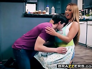 Brazzers - Mamma Got Meatballs -  Bake Sale Group-sex scene starring Kianna Dior and Alex D
