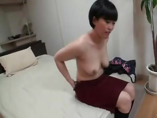 Marvelous Japanese Mature's Slit Creampied